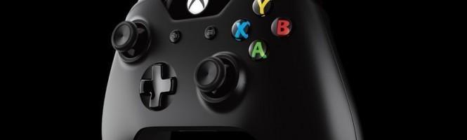 2 clichés de la Xbox One blanche